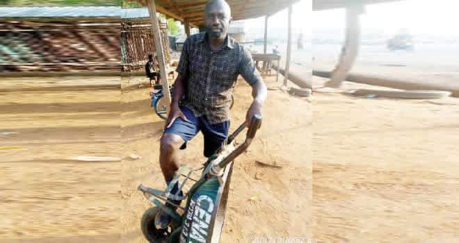 See The Reason A Young Man Dropped Out of Medical School at 500L, Ended Up as Cart Pusher –